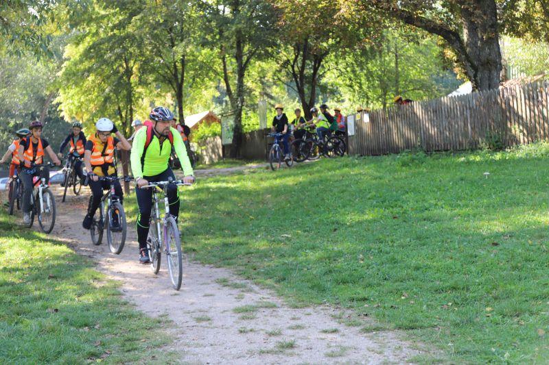 Pokonywanie wyznaczonej trasy na rowerach