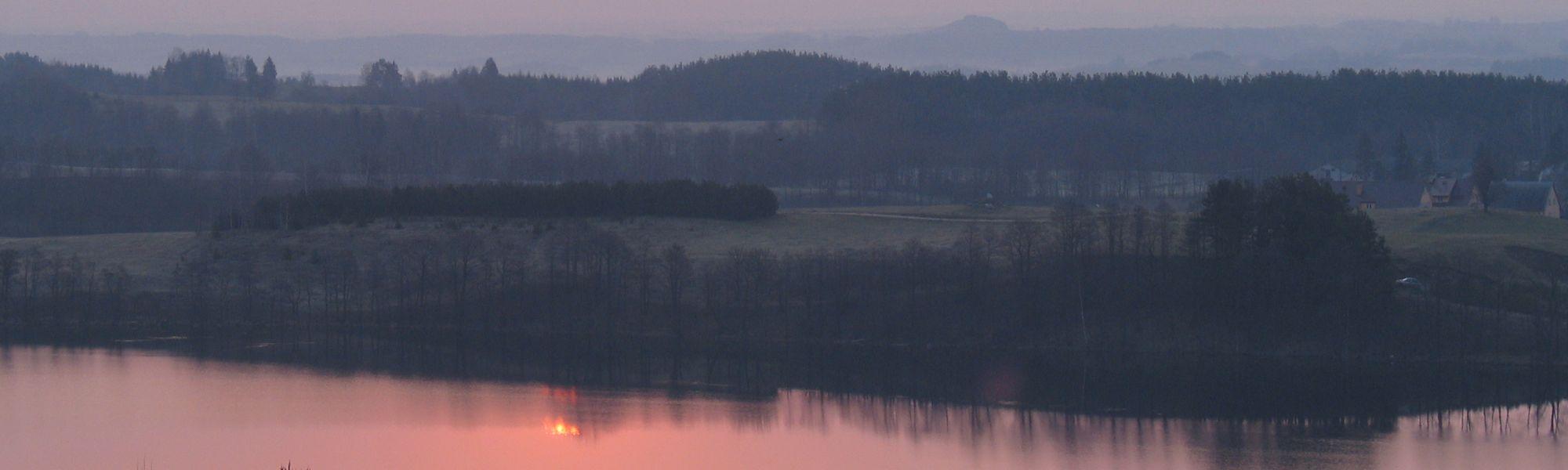 Widok z Góry Leszczynowej na jezioro Hańcza