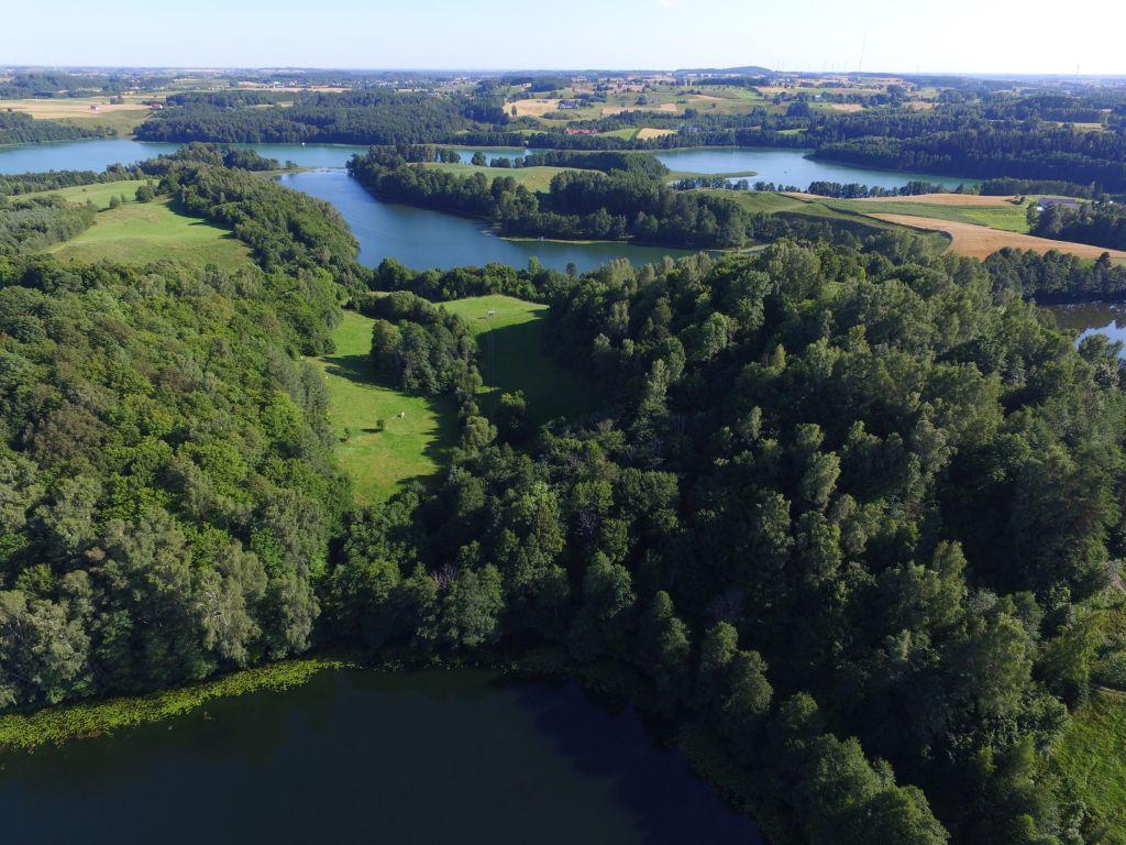 Góra Zamkowa, jezioro Jeglówek i jezioro Szurpiły. Fot.M.W.Żarski