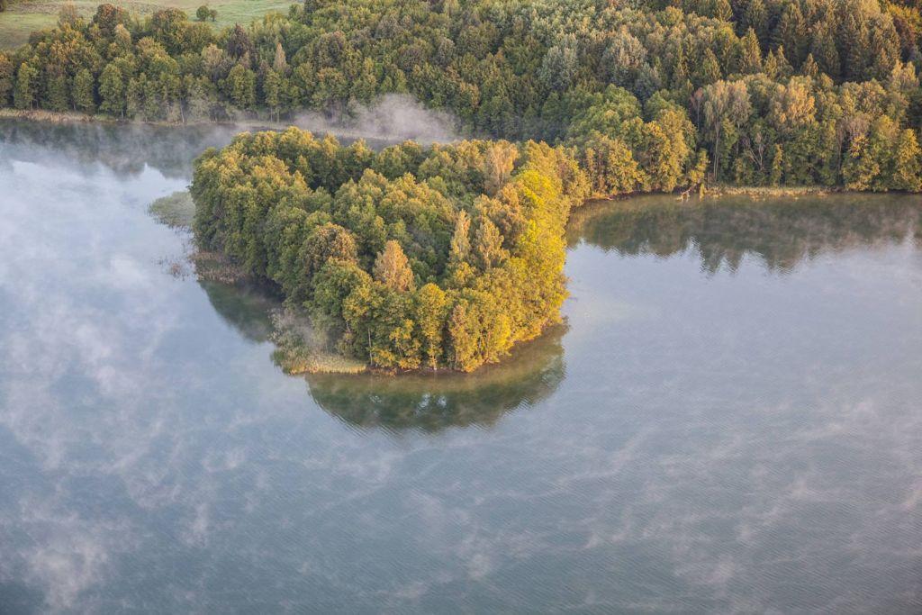 """Jezioro Hańcza, """"Jeleniewicza Róg"""". Fot.H.Stojanowski"""