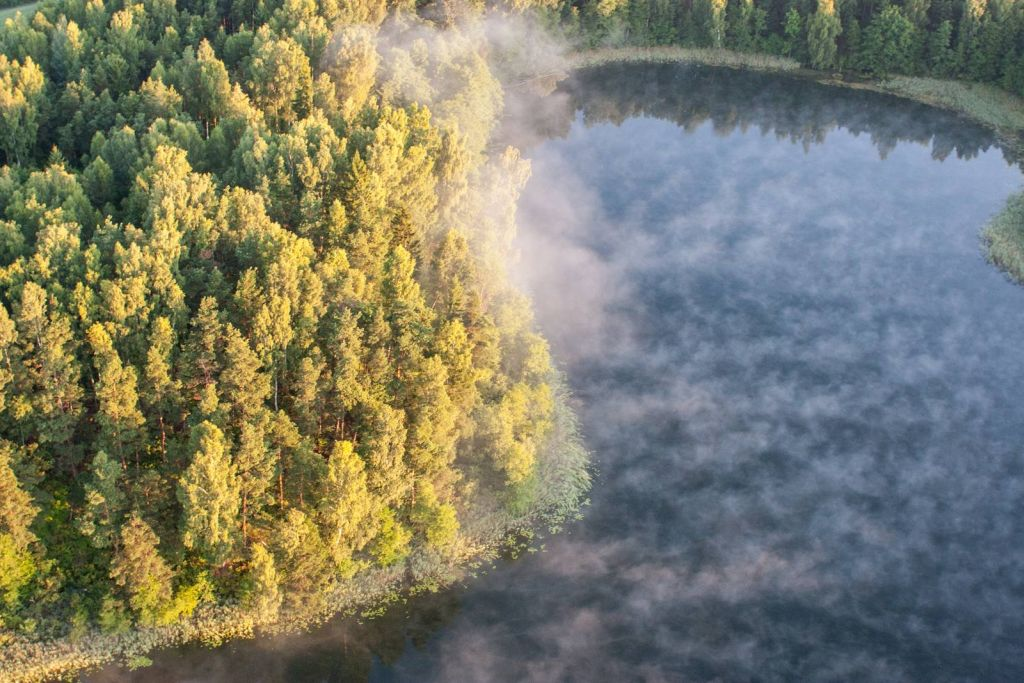 Poranek w SPK. Jezioro Szurpiły. Fot.H.Stojanowski