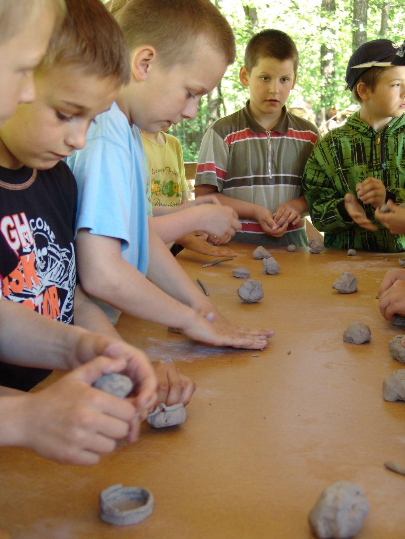 Ręczne wyrabianie gliny